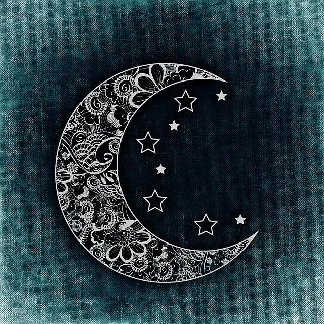 moon-767765_640